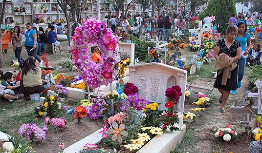 Graves on  Dia de los Muertos